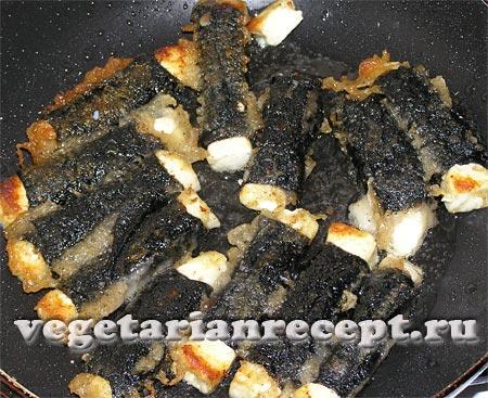 Поджаривание сыра в кляре с водорослями нори