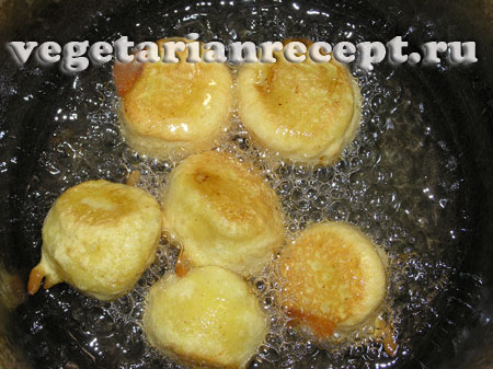 Обжаривание банановых пакор