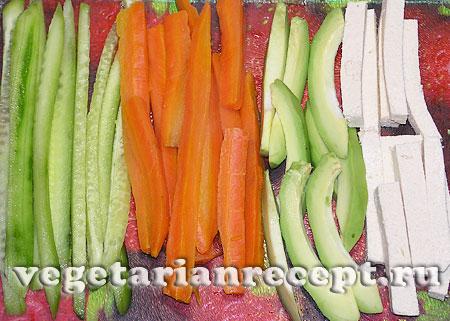 Ингредиенты для начинки вегетарианских суши роллов