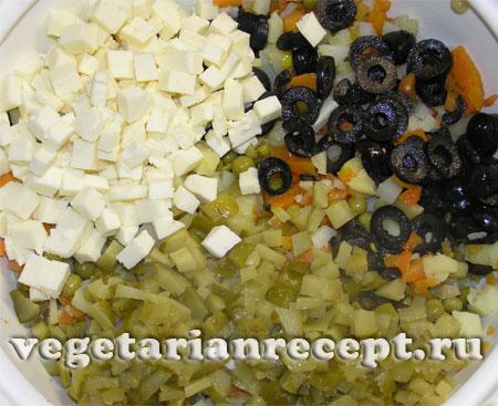 Приготовление вегетарианского салата оливье