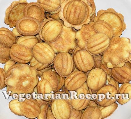 Орешки со сгущенкой. Приготовление (фото)