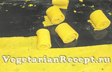 Приготовление рулетов из гороховой муки (фото)