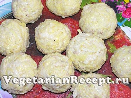 Сформированные картофельные шарики