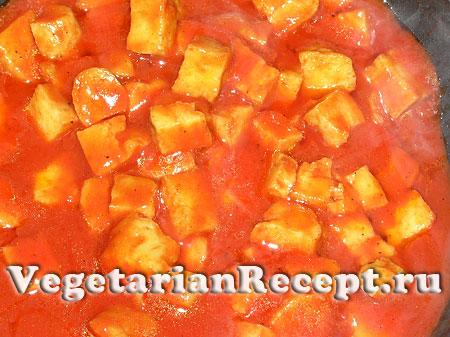 Приготовление сейтана в томатном соусе