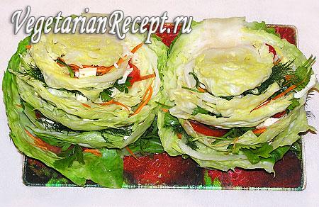Капуста, фаршированная овощами и сыром