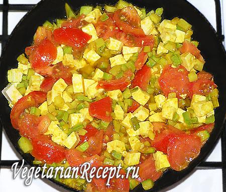 Приготовление вегетарианского омлета без яиц (овощи с сыром)