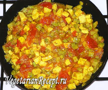 Приготовление вегетарианского омлета без яиц (тушеные овощи и сыр)