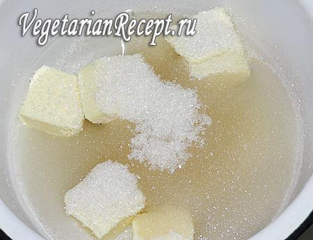 Сахар, масло и вода для приготовления кокосовых шариков