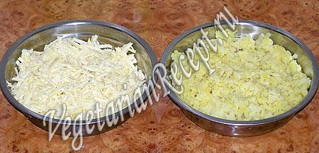 Сыр и картофель для вегетарианских котлет. Фото.