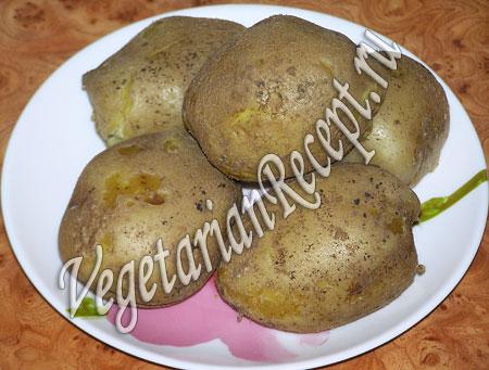 Картофель для приготовления вегетарианских котлет. Фото.