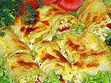 Запеченные рулетики из кабачков с сыром (рецепт)