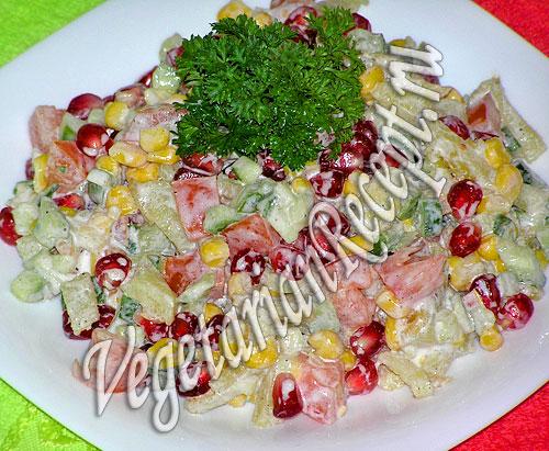 Салат с гранатом и жареной картошкой (фото)