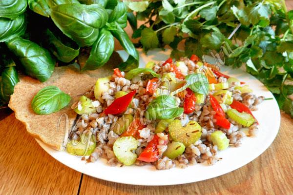 Гречка с овощами - рецепт с фото