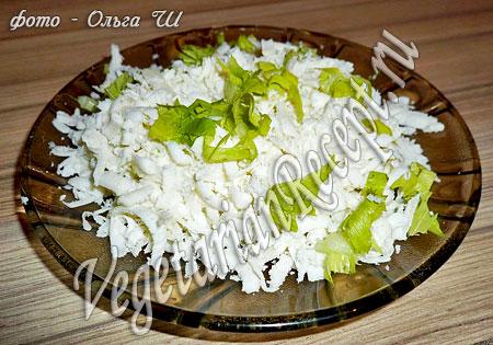 Сыр и зелень для гречки с овощами