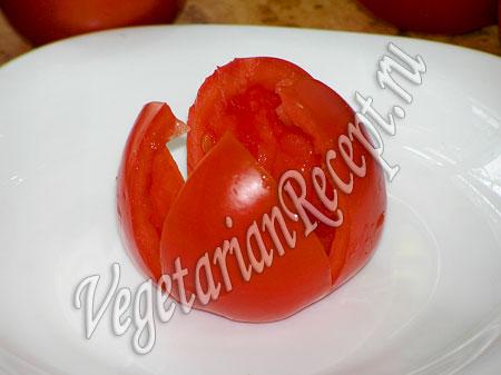 """Закуска """"Тюльпаны"""" - помидоры без мякоти"""