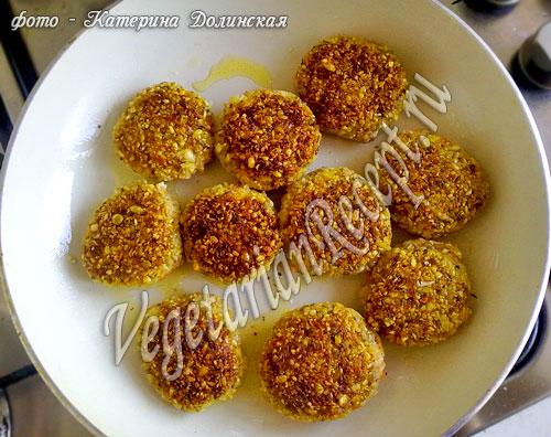 Котлеты из чечевицы - рецепт с фото