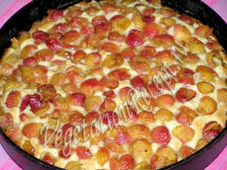 пирог с черешней готов