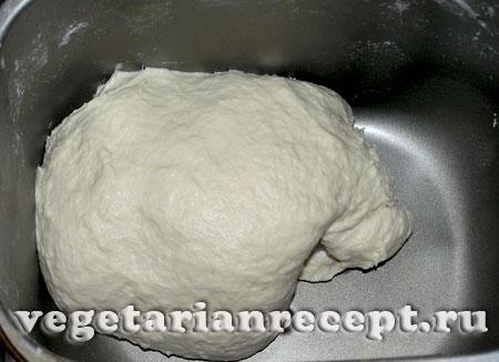 замешиваем тесто в хлебопечке для булки с маком