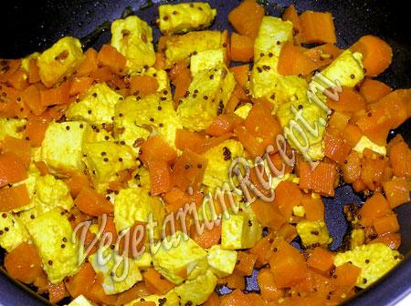 обжаривание моркови и сыра в мультиварке