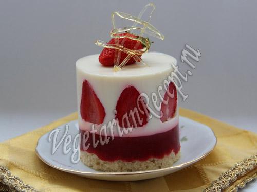 клубнично-кокосовый десерт