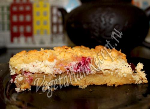 Пирог с творожно-фруктовой начинкой