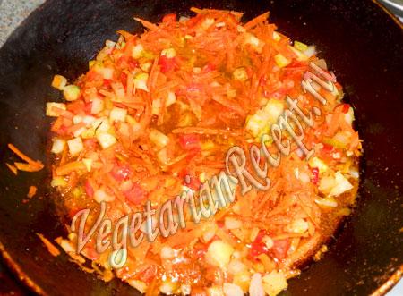 приготовление томатного соуса для тефтель