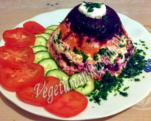 Салат из свеклы, моркови, сыра