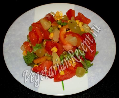 салат с виноградом и ананасом