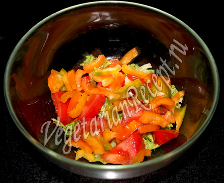 салат с виноградом - болгарский перец