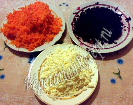 Салат - свекла, морковь, сыр
