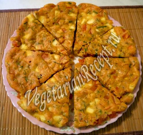 гороховый пирог с сыром и помидорами