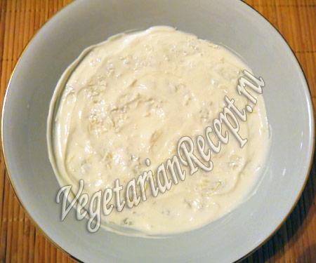 смазать сметаной слой салата