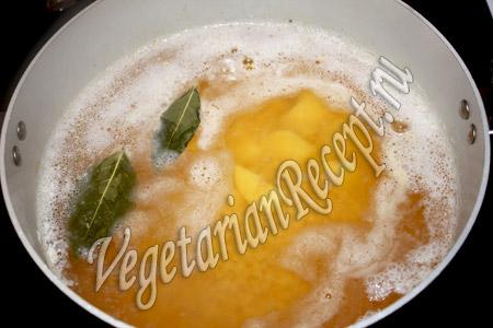 приготовление супа с красной чечевицей