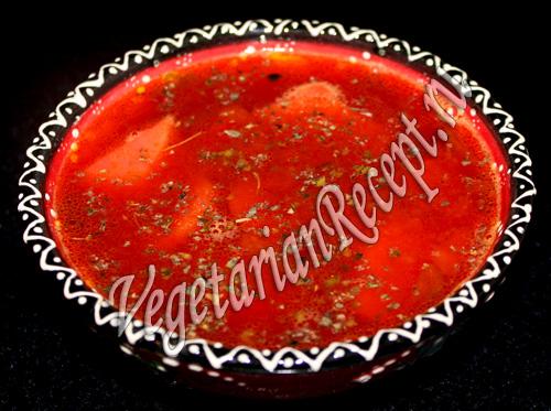 свекольный суп с красной чечевицей