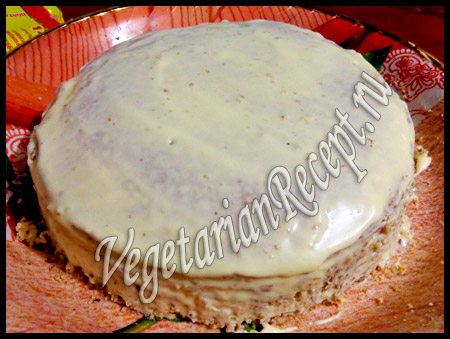 торт в масляном креме под мастику