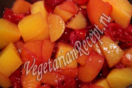 вишни с персиками для десерта
