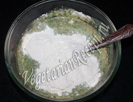 блины со шпинатом - приготовление теста