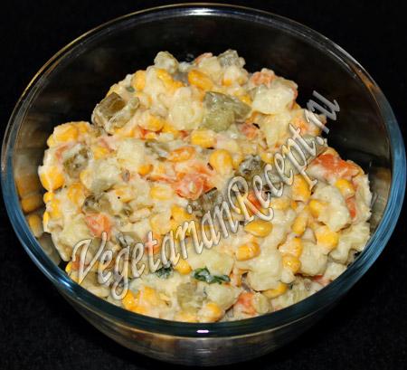 картофельный салат с солеными огурцами - шаг 5