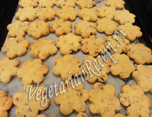 печенье с грецкими орехами и инжиром