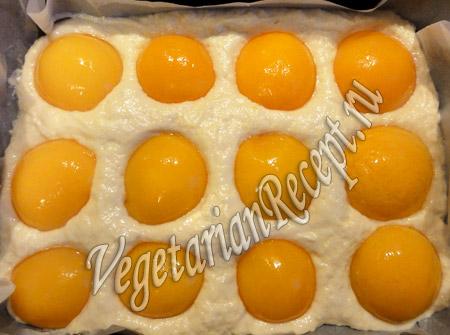 пирог с консервированными персиками - рецепт