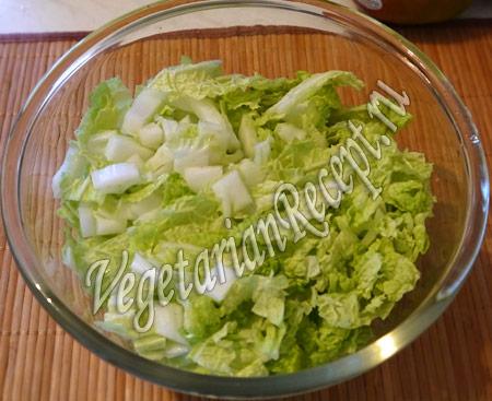салат с нори - режем капусту