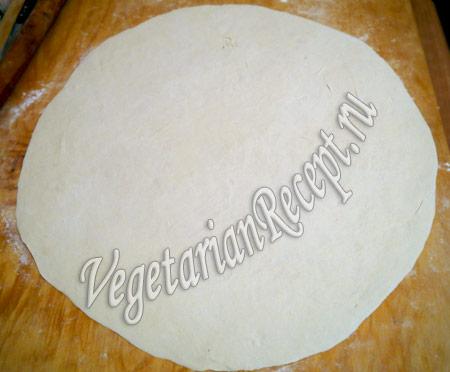 вареники пельмени - раскатываем тесто