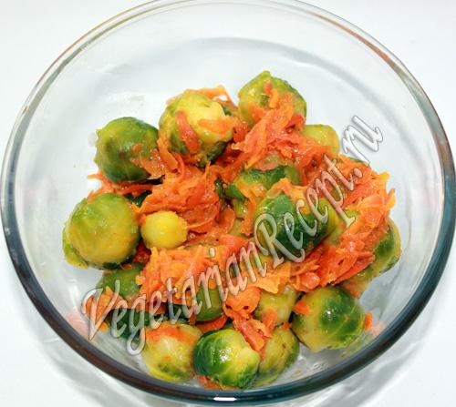 брюссельская капуста со сладкой морковью