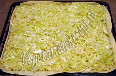 раскладываем капустную начинку