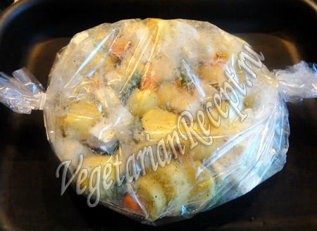 картофель с овощами в пакете для запекания
