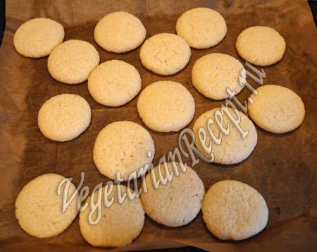 выпекаем кокосовое печенье