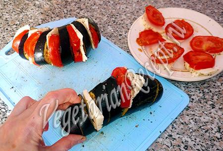 фаршируем баклажаны сыром и помидорами