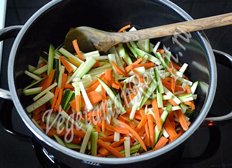 Тушим овощи. Тушеный картофель с овощами