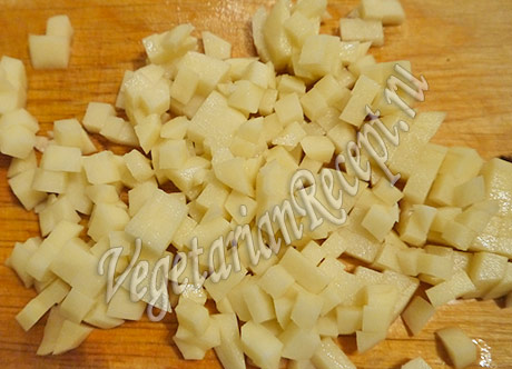 кубики картофеля для молочного супа