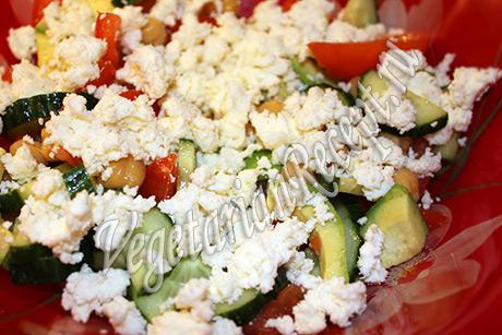 сыр в салате